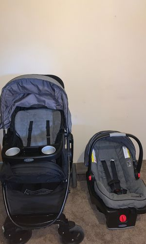 Graco Click Connect Travel System for Sale in Mount Vernon, WA