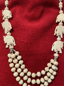 Vintage Bone Carved Beaded Elephant Estate Necklace for Sale in Las Vegas,  NV