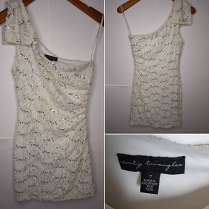 City Triangles Women's One Shoulder Lace Sequin Mini Dress Cream Gold Sz 7 for Sale in Schaumburg, IL
