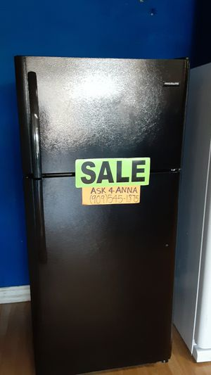 ⭐Black Frigidaire refrigerator 💥💲PAYMENT PLANS AVAILABLE 🚚💨SAME DAY DELIVERY🚚💨📞909*545**1875❌NO CREDIT NEEDED❌🦋ASK FOR ANNA🦋 for Sale in Covina, CA