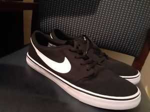 NIKE CHOES GREAT CONDITIONS for Sale in City of Industry, CA