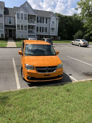 2012 Dodge Grand Caravan Clean title , hwy Mileage, runs great with no problems for Sale in Glen Allen, VA
