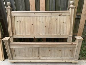 Queen Size Bed with side Rails for Sale in Charlotte, NC
