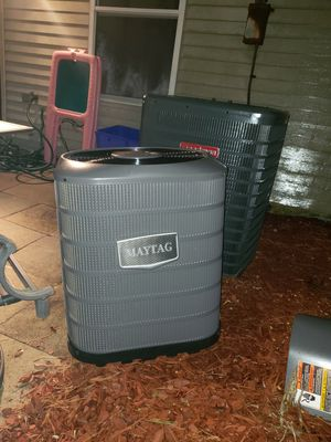 MAYTAG AC 1 TON UNIT ALMOST NEW for Sale in Bowie, MD