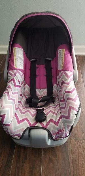 Car seat for Sale in Live Oak, TX