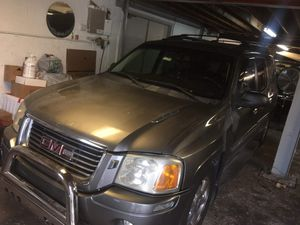 Parting out. 05 gmc envoy for Sale in Miami, FL