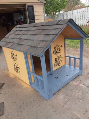 Dog house new for large dogs for Sale in Spartanburg, SC