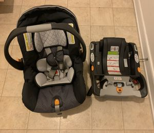 Chicco KeyFit 30 Infant Car Seat & Base for Sale in Newport News, VA