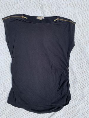 Michael Kors short sleeved women's shirt size large black for Sale in Painesville, OH