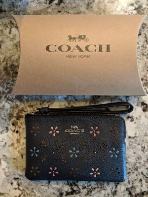 Coach wristlet wallet for Sale in Mount MADONNA, CA