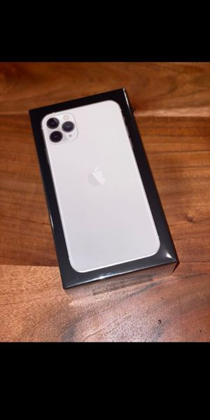 IPhone 11pro max for Sale in Vandalia, MO