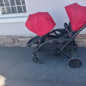 Double Stroller. for Sale in Fontana, CA