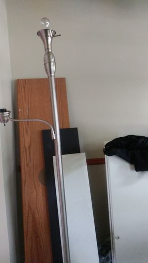 Floor lamp for Sale in Columbus, OH