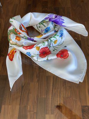 Gucci Flora Silk Scarf w/ tags for Sale in Chicago, IL