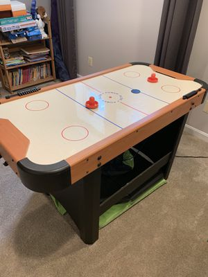 Air hockey table for Sale in Manassas, VA