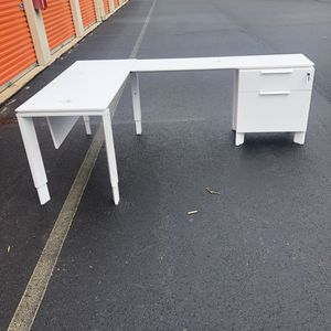 L-Shaped Desk for Sale in Woodbridge, VA