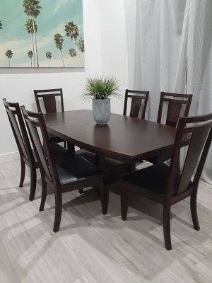 BROYHILL Formal Dining/Kitchen Room Table with 6 Chairs. Comedor con 6 Sillas for Sale in Peoria, AZ