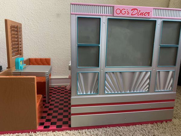 American girl doll diner set and accessories