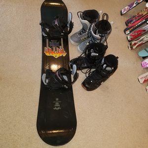 163 cm Lamar snowboard package board boots and bindings clean waxed edges slope reddy for Sale in Woodbridge, VA