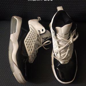 Men's Nike Maxin 200 for Sale in Peoria, IL