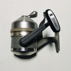 Vntg Fishing Reel ( ZEBCO 444) for Sale in Glendale Heights, IL