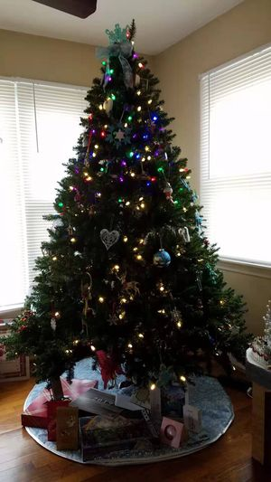 Christmas Tree (Electric) for Sale in Somerdale, NJ