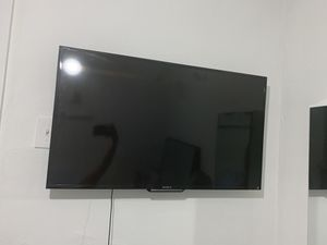 """TV SONY 32"""" KDL40R510C for Sale in Somerville, MA"""