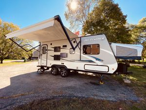 2017 Jayco Jay Feather 7 19XUD hybrid camper travel trailer! Rare find! for Sale in Long Grove, IL