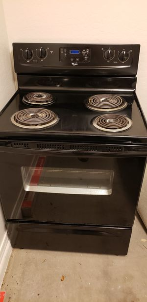 Used Whirlpool electric range oven for Sale in Glendale, AZ