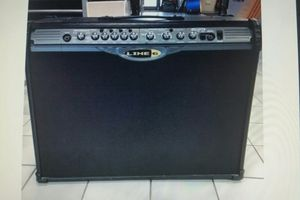 150 WATTS LINE 6 STEREO GUITAR AMP for Sale in Pompano Beach, FL