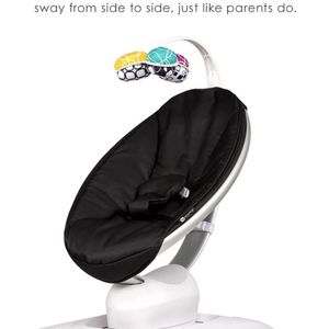 4 Moms Mamaroo 4 Classic Black /wBluetooth for Sale in Cleveland, OH