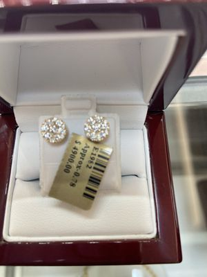 10k gold VVS quality REAL diamond earrings 0.78 ctw for Sale in Plano, TX