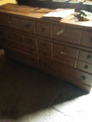 Dresser w/ mirror for Sale in White Hall, WV