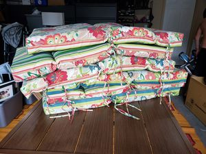 Set of Six Reversable Patio Cushions (and chairs) for Sale in Vancouver, WA
