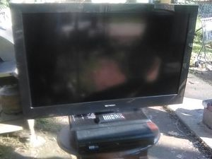 Emerson 40 inch TV with Remote and 3 HDMI inputs plus Sony 5 disc DVD player for Sale in Washington, DC