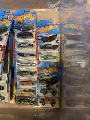 Huge lot of hot wheels need gone over 90 for Sale in Tampa, FL