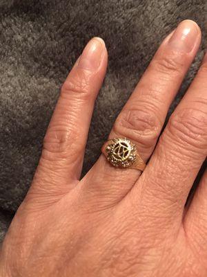 Anillo para 15 años de oro 10k for Sale in San Bernardino, CA