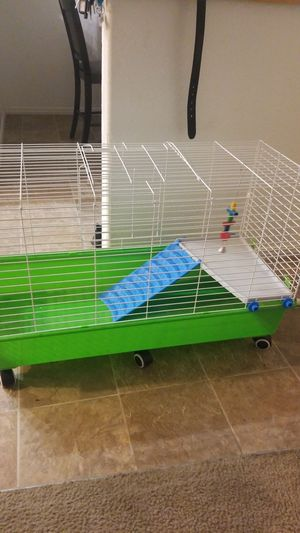 Cage for guinea pig n rabbit for Sale in North Las Vegas, NV
