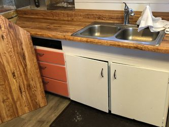 Counter & Sink With Faucet for Sale in Selah,  WA