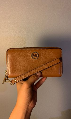 Michael Kors Wallet for Sale in Chula Vista, CA