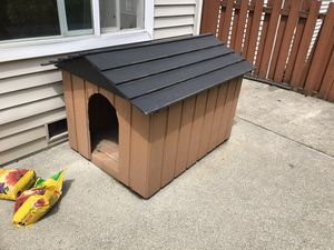 Dog house for Sale in Woodinville, WA
