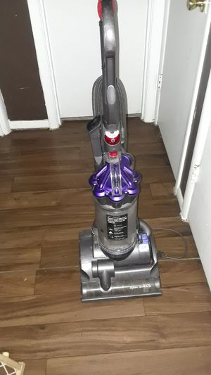 Dyson air muscle vacuum for Sale in Arlington, TX