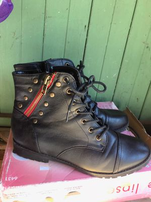 Boot size 10 for Sale in Perris, CA
