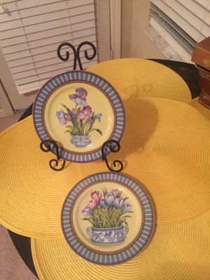 Set of two I Godinger 1885 email de Limoges a l Morino Plates Vases with Flowers for Sale in Platte City, MO
