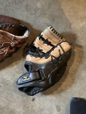 Baseball gloves for Sale in Peabody, MA