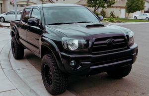 For sale 2007 Toyota Tacoma  4x4 TRACTIONN for Sale in Sioux Falls, SD