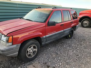 1998 Jeep Grand Cherokee For parts ONLY for Sale in Tolleson, AZ