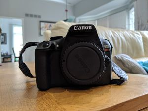 Canon EOS Rebel T6 beginner photography bundle with 2 lenses for Sale in West Bloomfield Township, MI