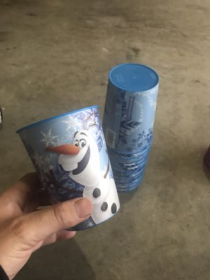 FROZEN - 12 - 16oz. BLUE OLAF Plastic cups. 12 total cups. $2.50 each or $25 for set for Sale in Haltom City, TX