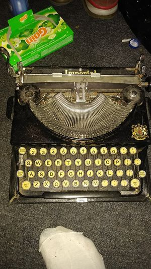 1938 good companion typewriter for Sale in Providence, RI